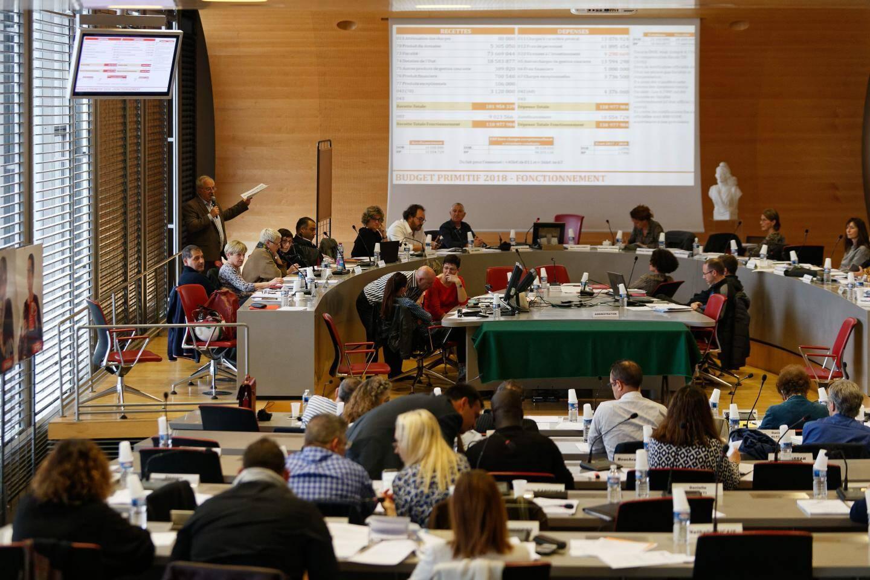 En l'absence notamment de Jean-Pierre Colin, de Nathalie Bicais et de Damien Guttierez, l'opposition s'est montrée combative face au budget présenté par la majorité.