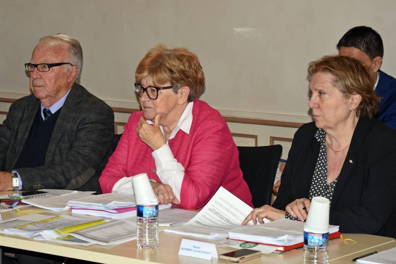 Le maire Liliane Boyer a écouté avec attention les observations de l'opposition.