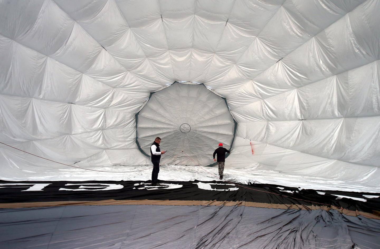 Le ballon écologique volant au-dessus de Monaco-ville.