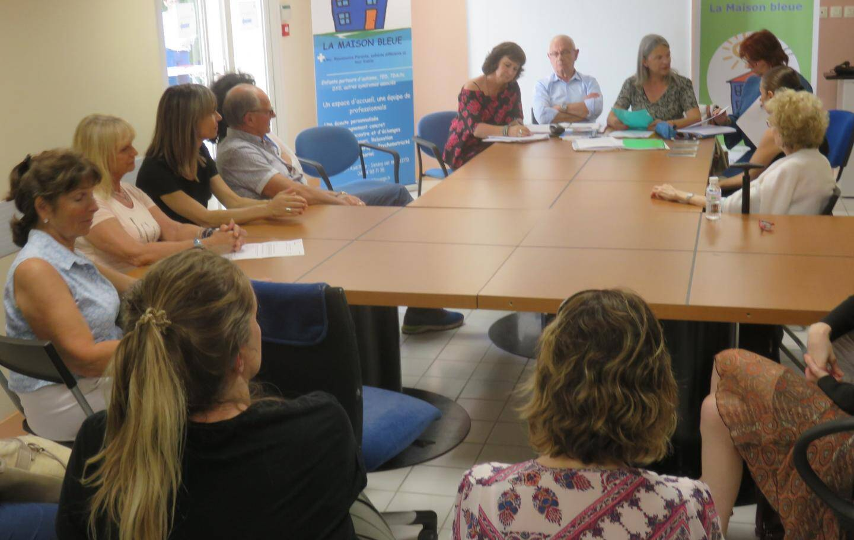 À l'occasion de son assemblée générale annuelle, qui s'est déroulée vendredi soir à la Maison Bleue de Sanary,  l'association Dyspraxie France DYS83 (DFD) avait invité deux défenseurs des droits à échanger avec des familles.