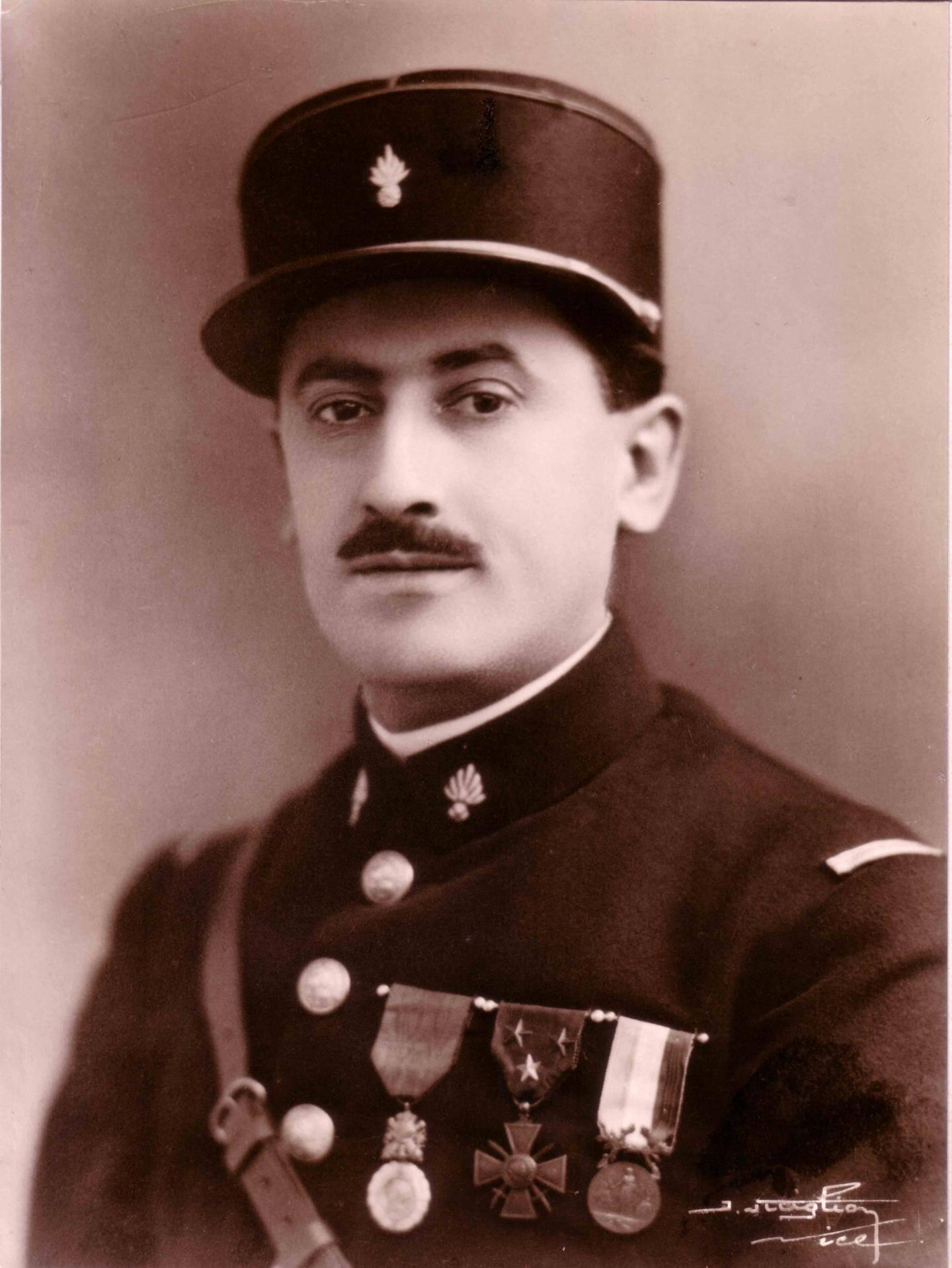 Le frère du poilu niçois Pierre-François Fornaresio entré dans les pompiers en 1919 par loyauté pour son frère mort en 14-18.