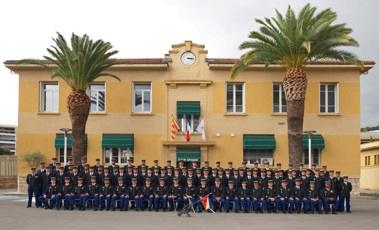 Le capitaine Louis Boquien (à droite), commandant l'escadron, et le major Didier Ré préparent depuis près de deux ans l'événement d'aujourd'hui, qui réunira près de 500 convives, liés à l'histoire du 23/6 et de la caserne.