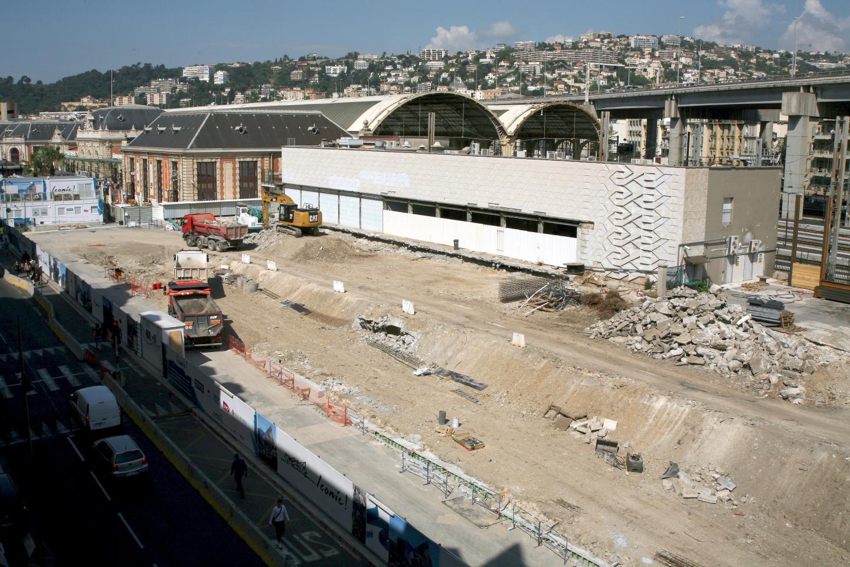 Le déplacement d'un équipement essentiel de la SNCF, hors de l'emprise actuelle du chantier, devrait être réalisé à la fin du mois de juin.