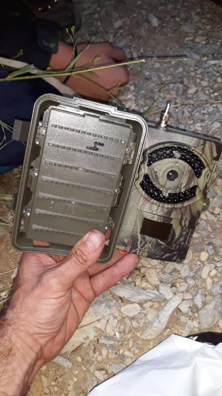 L'une des trois caméras décrochées de leur arbre par l'agriculteur de Breil-sur-Roya.
