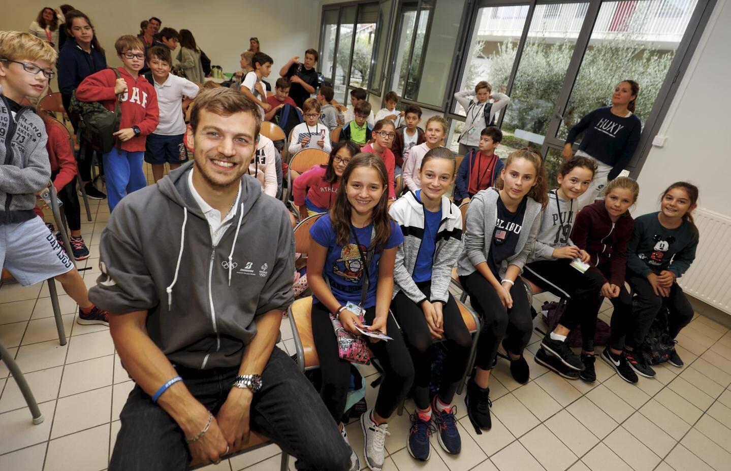 Les élèves du collège César ont été ravies de rencontrer le champion olympique