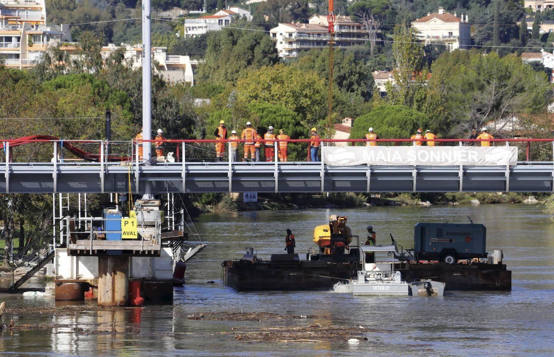 Travaux de remplacement du viaduc de la Siagne.