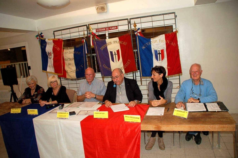 La tribune d'honneur pendant l'intervention du président sortant Alain Demarlier.