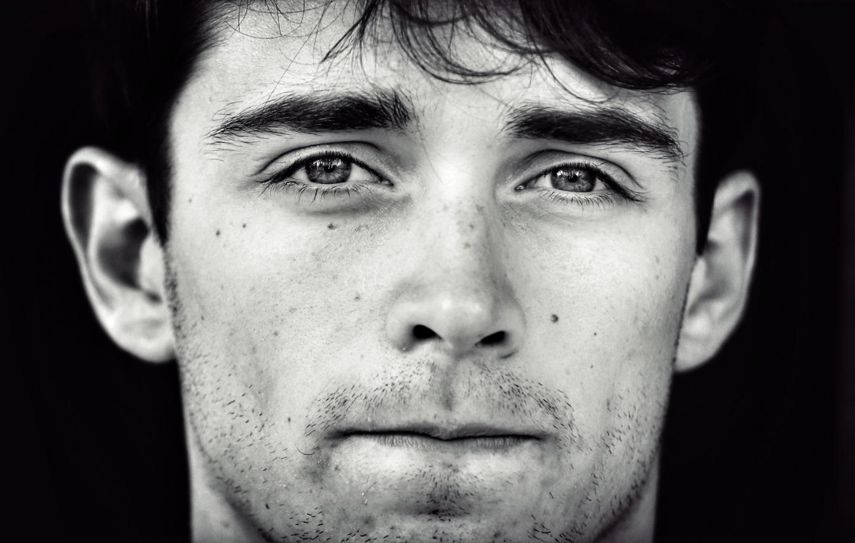 23 mai : cette détermination dans le regard de Charles Leclerc l'a conduit dès sa deuxième année de Formule 1 à intégrer la plus grande écurie au monde, la Scuderia Ferrari.