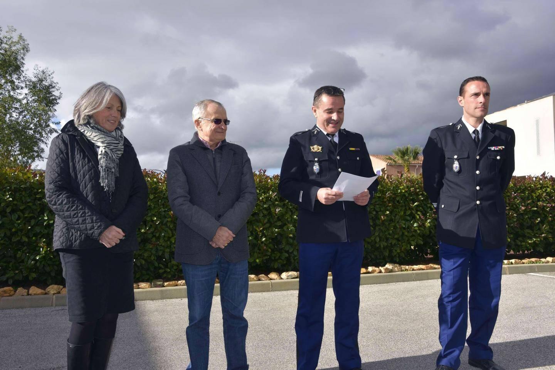 Nicole Schatzkine et Gérard Aubert, adjoints au maire ont représenté François de Canson. Le major Vincent Paris, commandant la brigade territoriale et le commandant Cédric Juste, commandant de la compagnie de Hyères, ont profité de l'occasion pour présenter leurs vœux pour 2019.