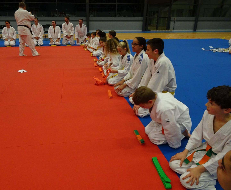 Les jeunes judokas ont passé leurs ceintures de couleur.