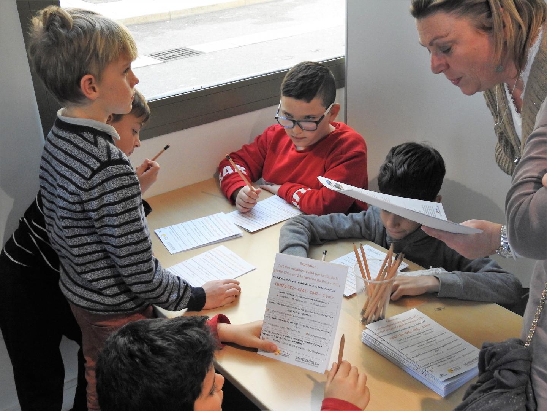 Divisés en quatre groupes, les élèves ont été attentifs et intéressés.
