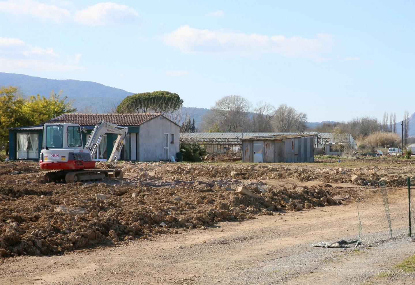 Ce terrain dans la plaine de l'Argens a été réhaussé sur trois hectares.