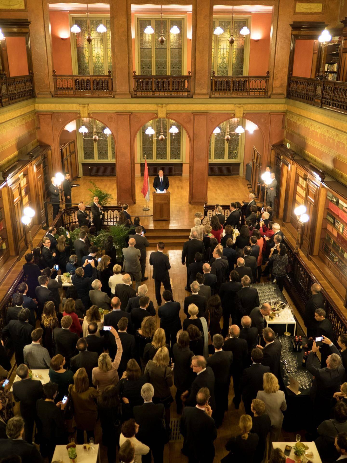 Le souverain a formulé un discours pro-européen devant 150 émissaires de l'Europe à la Bibliothèque Solvay de Bruxelles.