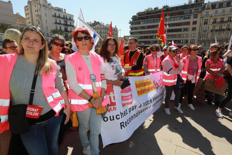 Les assistantes maternelles du Var, encadrées par le syndicat CGT.