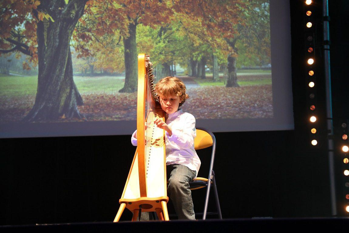 Morceau atypique joué par un jeune artiste de 9 ans.
