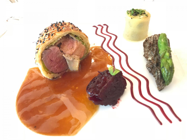 Le pigeon en croûte foie gras