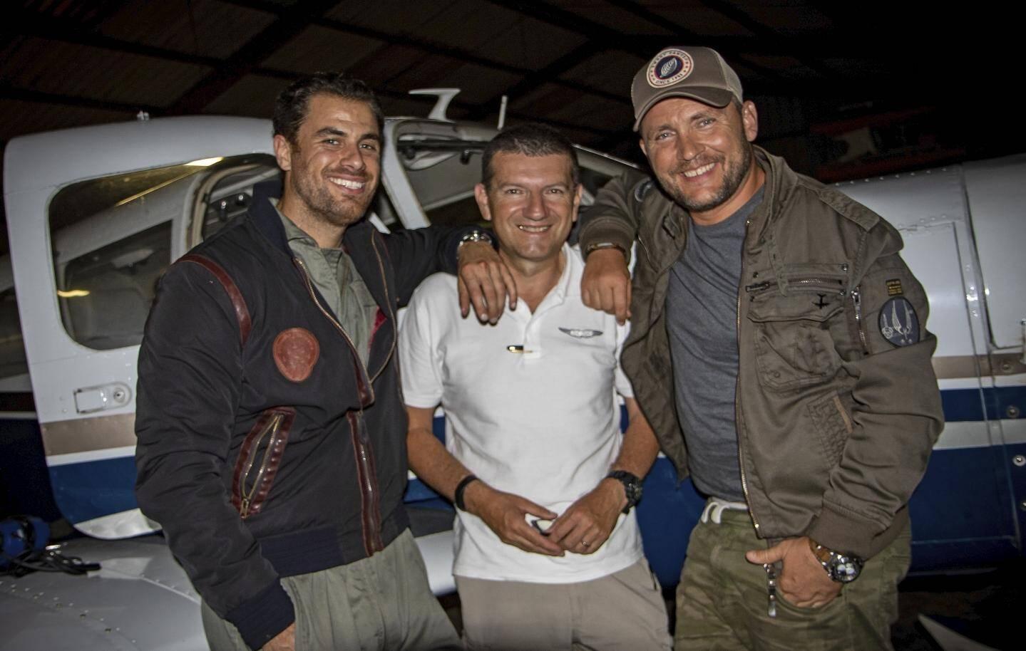 L'acteur principal David Zella, le pilote Olivier Zaffrila et le réalisateur.