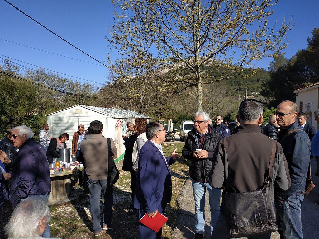 Jean-Marc Luciani, élu en charge de la sécurité (à gauche), était à l'écoute des riverains du quartier des Favières, lors de cette opération « Cadre de vie ».