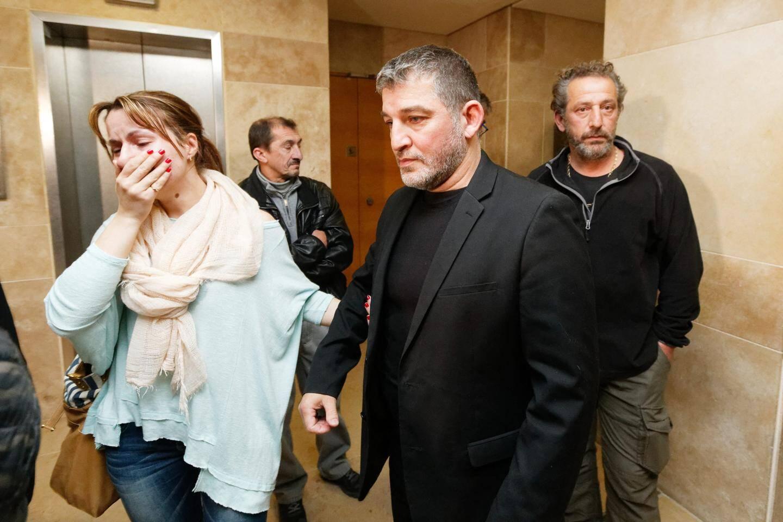 Le Toulonnais Henri Bartolo et sa compagne, quelques minutes après son acquittement ce vendredi soir.
