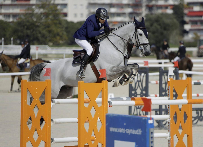 Guillaume Canet participe à de nombreuses compétitions d'équitation : « J'en fais depuis que je suis môme, tout le monde me connaît et personne ne me considère comme un acteur ou un réalisateur quand je suis à cheval ».