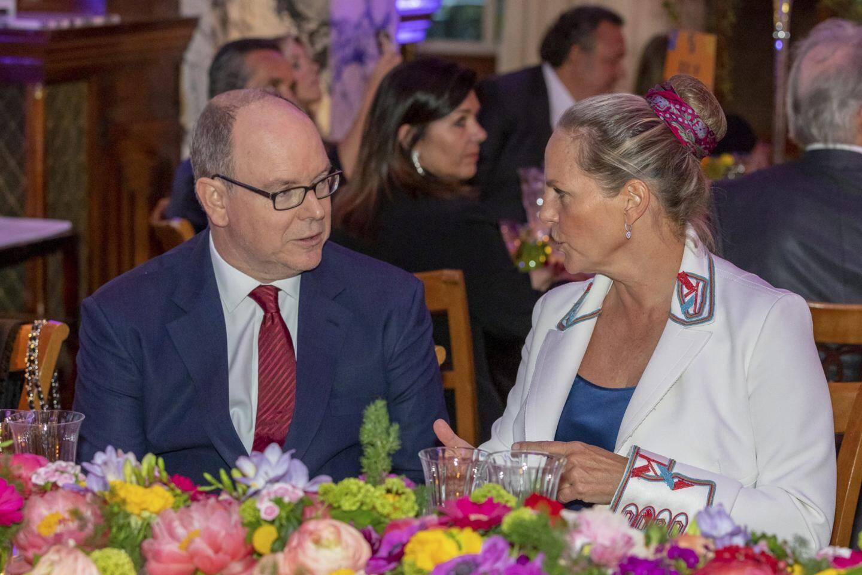 Le prince Albert II et la baronne Ariane de Rothschild, vendredi soir, à l'Hôtel de Paris, pour le gala de l'EORTC que préside le souverain monégasque depuis 2014.