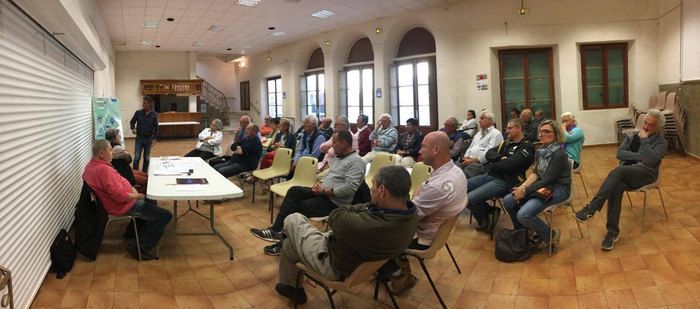 La réunion de préparation a réuni une trentaine de volontaires bénévoles pour l'organisation de la manifestation.