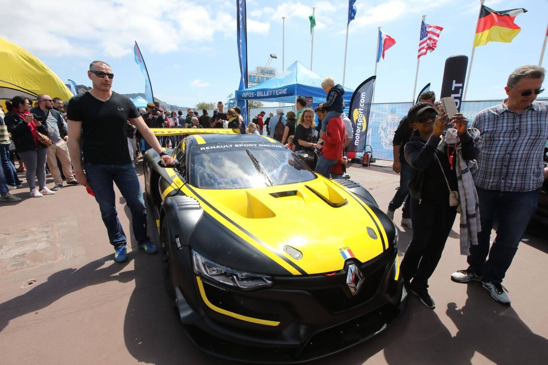 Renault présente un autre de ses bolides