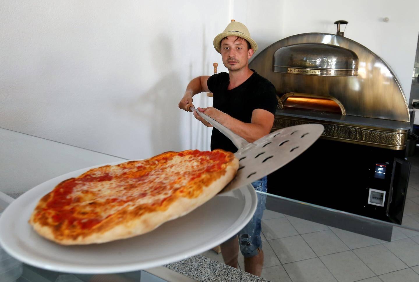 Une pizzeria,