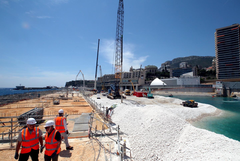 Entre 500 000 et 600 000 tonnes de remblai technique vont être déposées. S'y ajoutera une couche de sable.