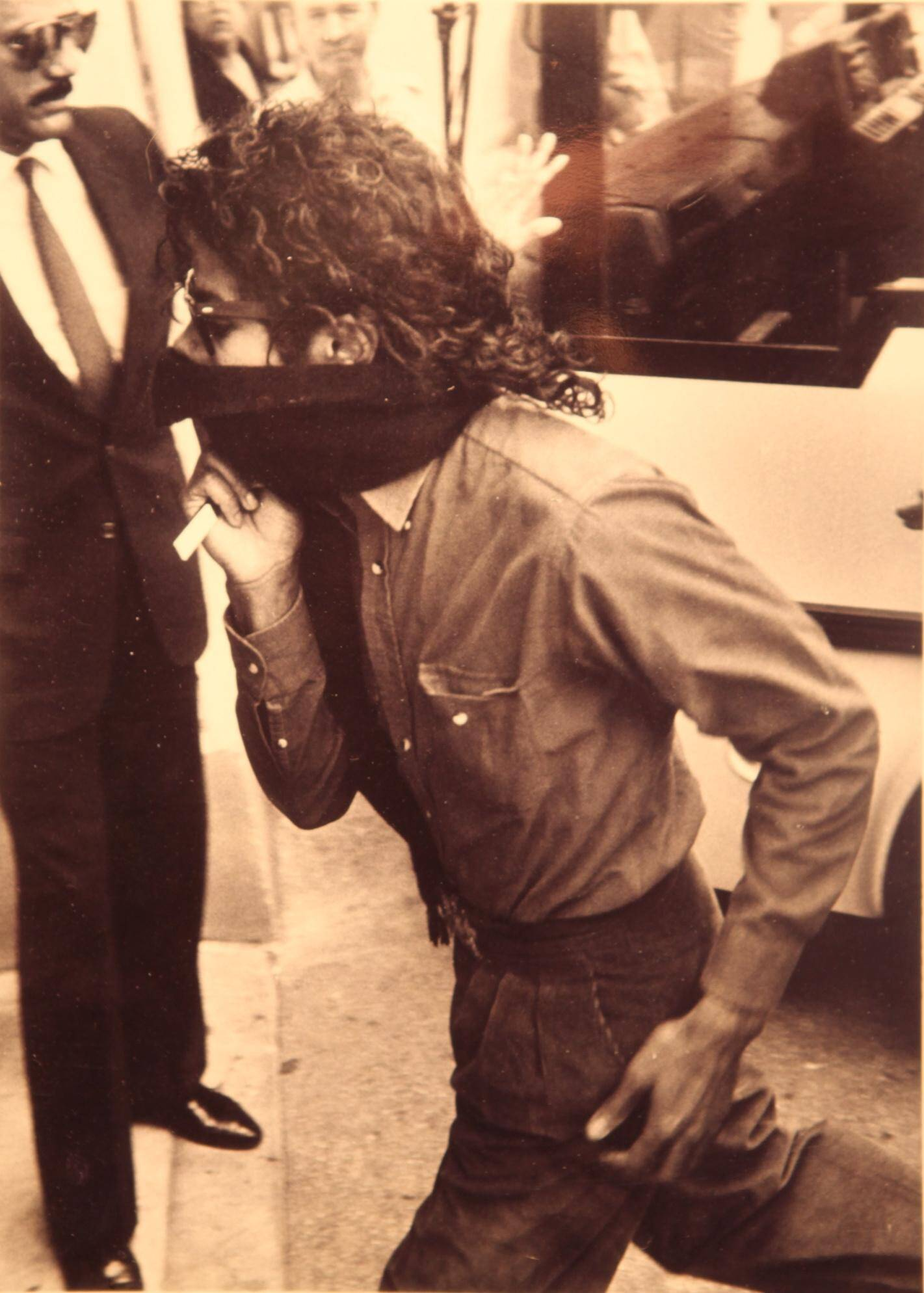 Août 1988 : Michael Jackson s'engouffre en mode Zorro au Negresco, par l'entrée de service, sur ce cliché transmis par le directeur du palace à l'époque, Michel Palmer.
