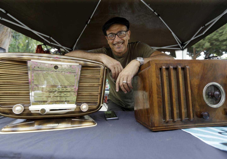 Grâce à Philippe Ruiz, ingénieur en électronique de 56 ans, les radios d'antan prennent un sacré coup de jeune.
