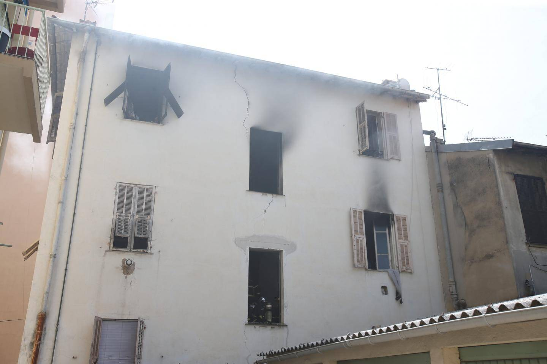 Le feu s'est déclaré dans un appartement de l'avenue de Carras.