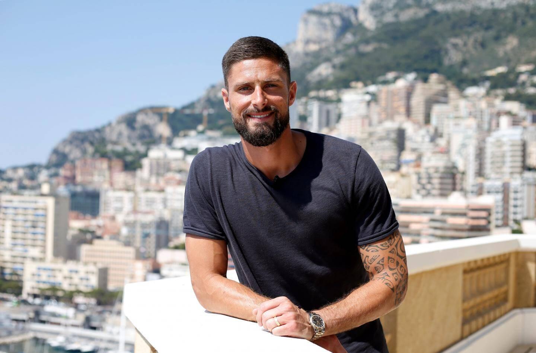 En vacances, le footballeur a fait escale à Monaco.