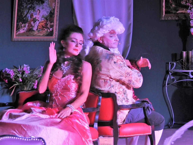 L'amour sulfureux entre La Clairon et son amant, le comte Omer de Valbelle, a séduit le public.