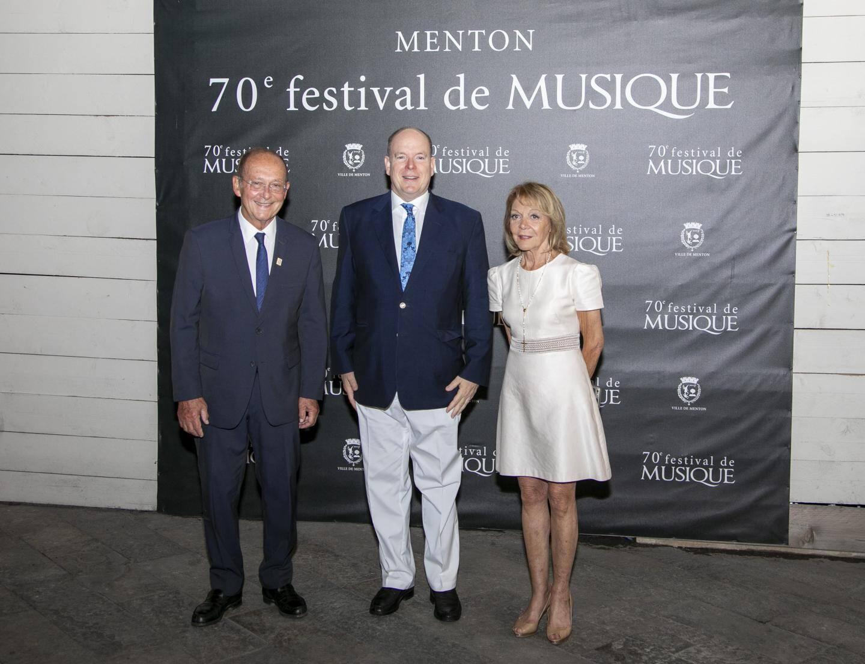 Le prince Albert II entouré du maire de Menton Jean-Claude Guibal et de la sénatrice Colette Giudicelli.