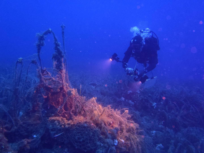 L'opération du jour concernait un filet fantôme près du Cap Ferrat à près de 30 mètres de profondeur.