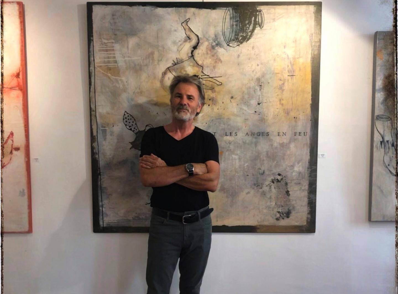 Le travail de Philippe Croq se situe à mi-chemin entre l'abstraction et le figuratif.