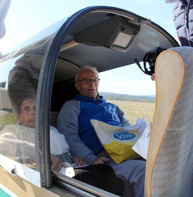 Georgette et Walter ont embarqué pour un survol de la vallée de la Durance.