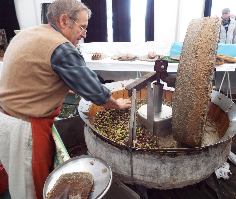 Tradition provençale avec la fête de l'huile à partir du 15 novembre.