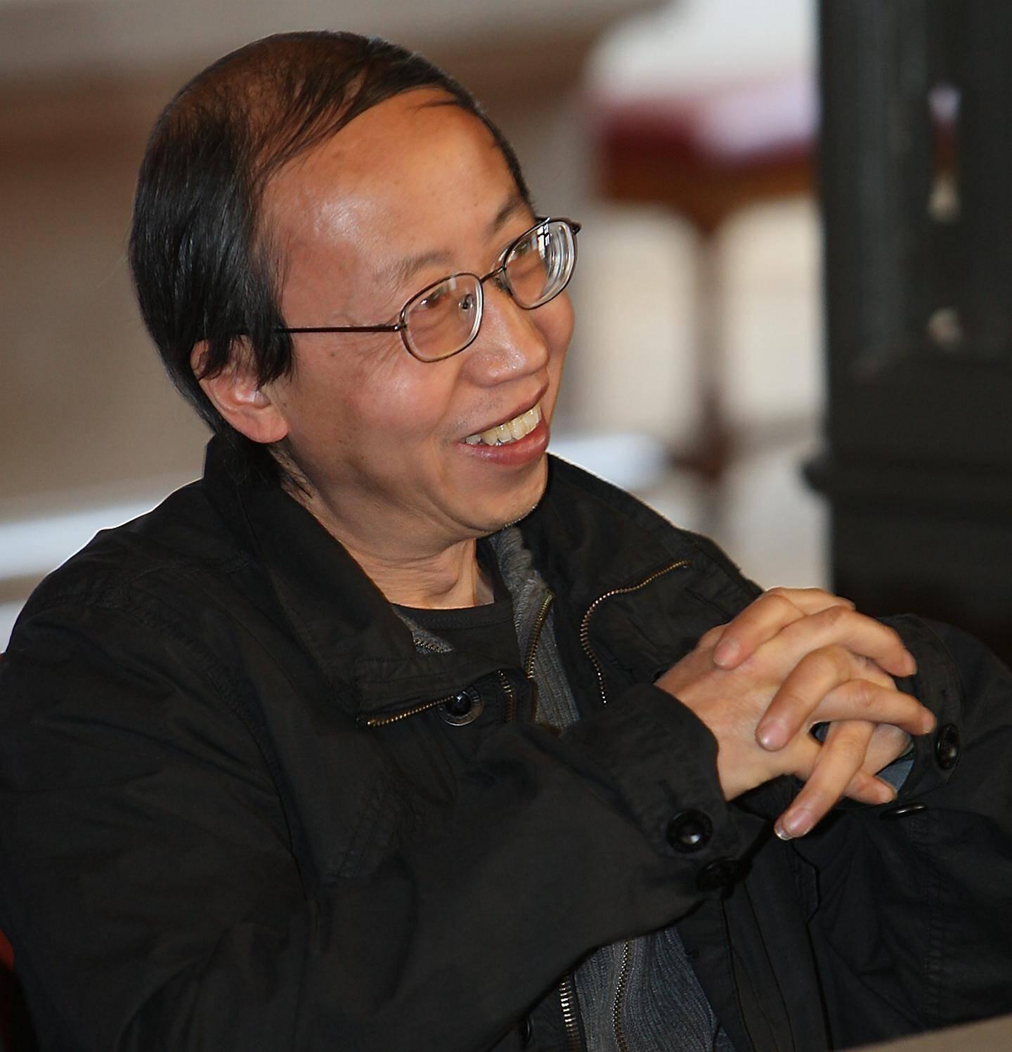 L'artiste chinois naturalisé français Huang Yong Ping s'est éteint ce dimanche 20 octobre à Paris à l'âge de 65 ans.