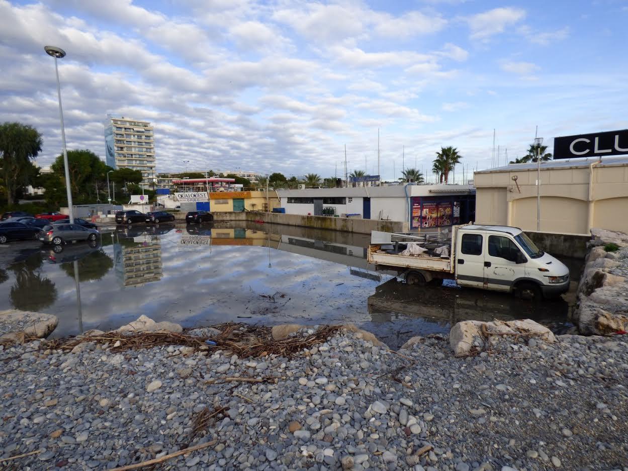 Au port de Saint-Laurent-du-Var, le parking gratuit est encore inondé