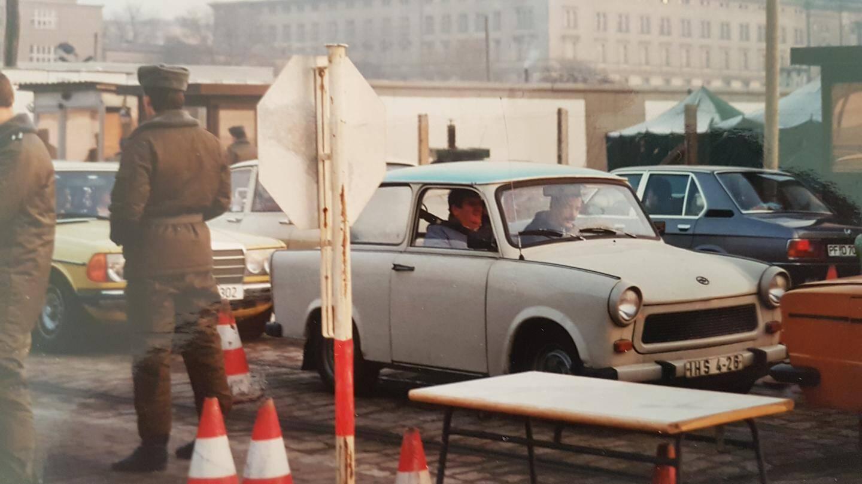 Le 9 novembre 1989, Pascal Bellenger se trouvait à Berlin. Le lendemain, il buvait le champagne au pied du Mur, tout juste tombé.