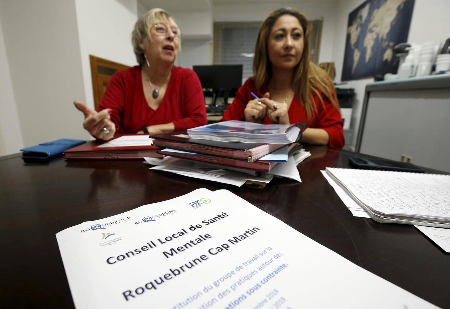 De gauche à droite : Solange Bernard, adjointe en charge de l'Action sociale et de la Solidarité et  Najoua Hurcet, responsable du CCAS ont coordonné le CLSM de Roquebrune.