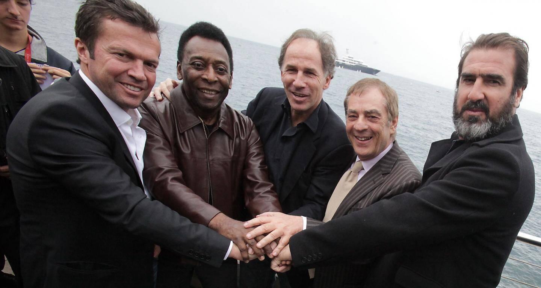 Lothar Matthäus, Pelé, Franco Baresi, Antonio Caliendo et Eric Cantona en 2012.