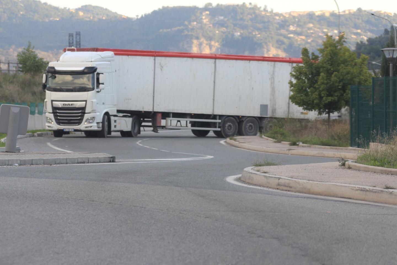 Un camion de déchets ayant pris la direction du nord.
