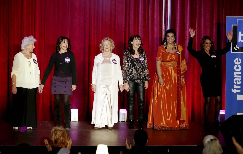 Les six candidates réunies sur la scène du casino Barrière de Menton.