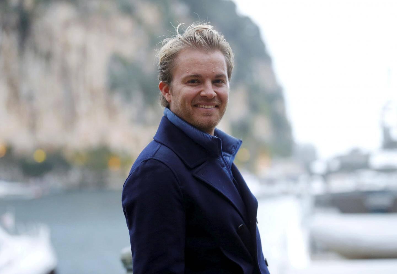 Nico Rosberg au pied de ses bureaux du port de Fontvieille.