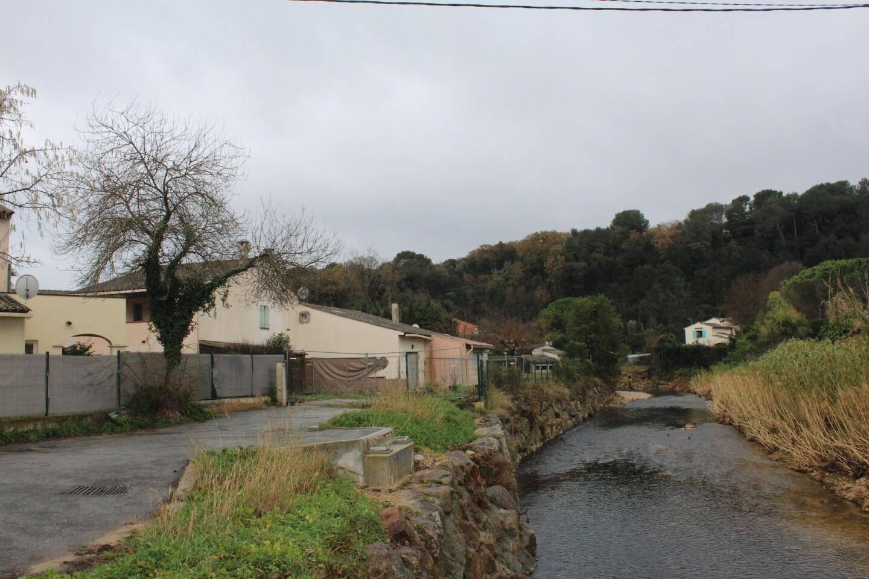 .Ci-contre le reprofilage du lit de la Brague et la renaturation de ses berges vont réduire le risque inondations dans le quartier.