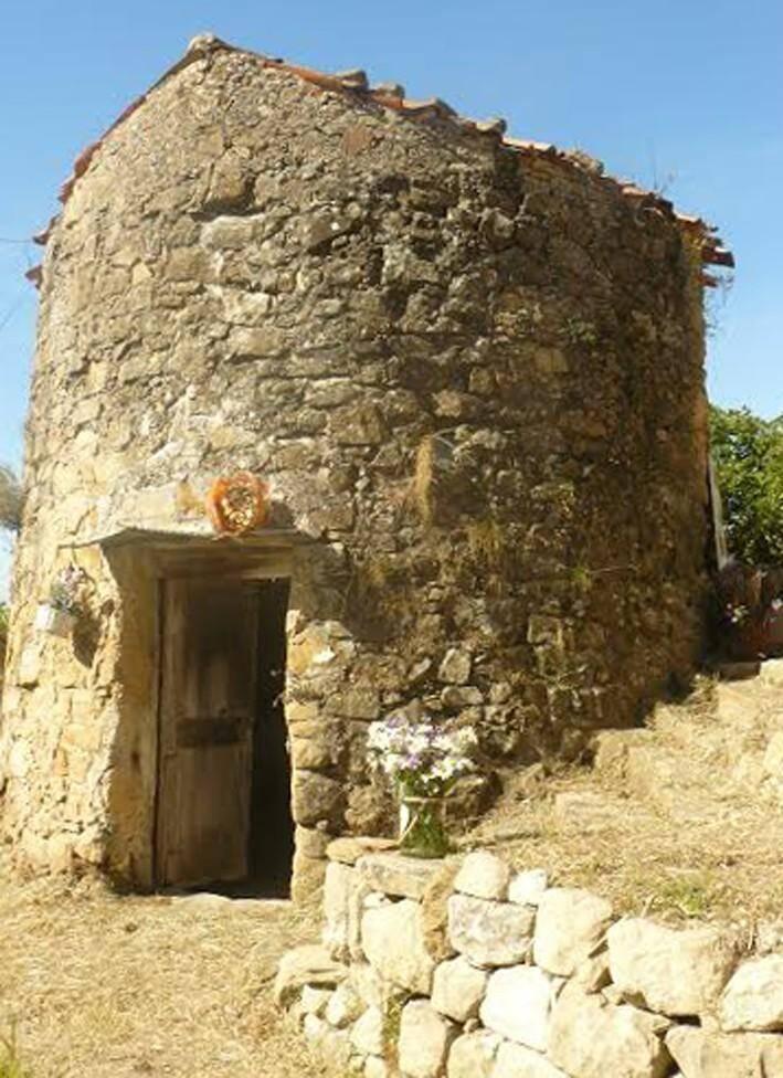 Le moulin de Berre-les-Alpes.