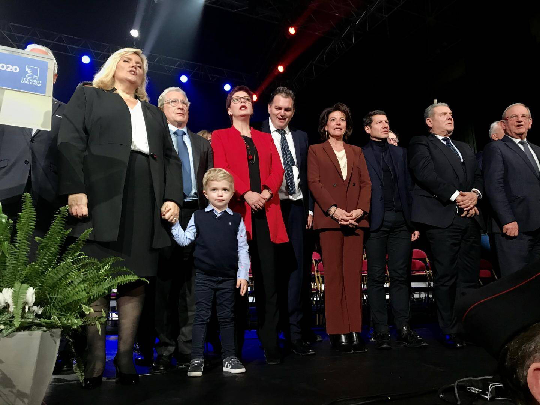 Michèle Tabarot, Yves Pigrenet, Philippe Tabarot, et même son petit Louis ! Vœux familiaux...  (photo A.C.)